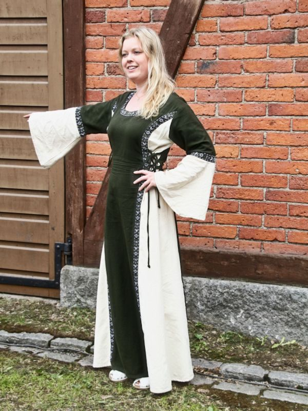 Vihreä-valkoinen mekko