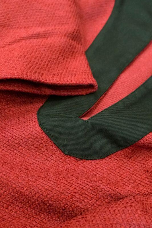 Puna-musta lyhythihainen tunika