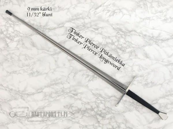 Kumitulppa miekan ja/tai nuolen kärkeen