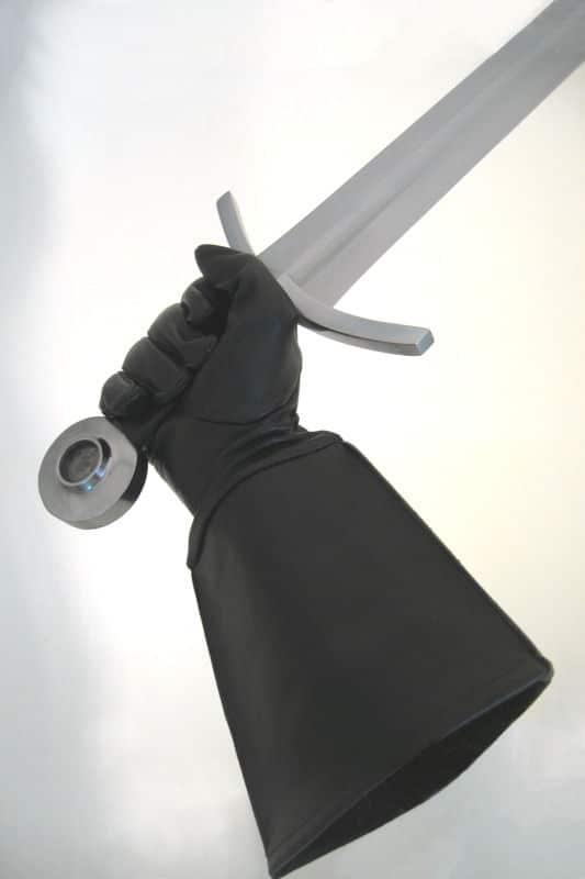 Nahkaiset miekkailuhansikkaat