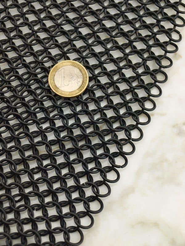 Rengashaarniskahuppu mustatuista renkaista