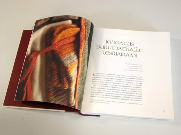 Keskiajan puvut –kirja